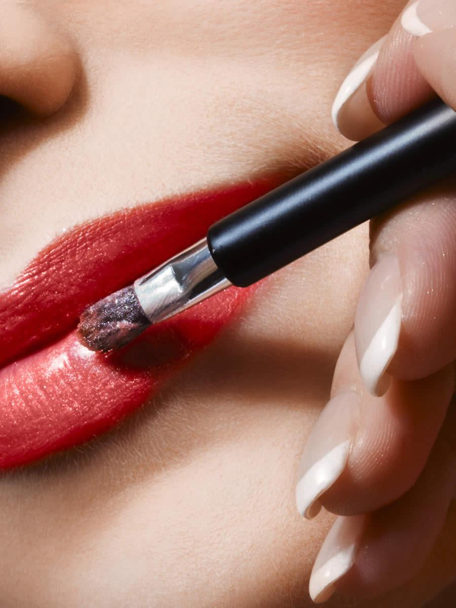 Make-Up Artist Distance Learning Home Study Course   UKDLP
